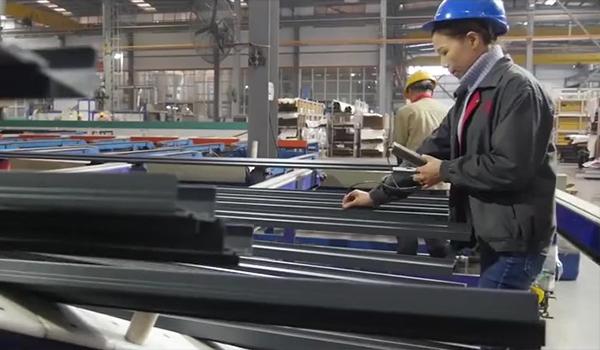 Film test device for powder coating aluminum profiles